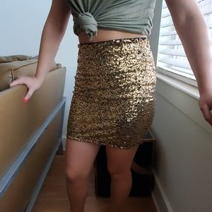 Black and gold sequins
